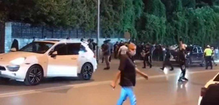 POLİSLERE SALDIRAN BAŞKAN YİNE TARAFTARA SALDIRDI!!